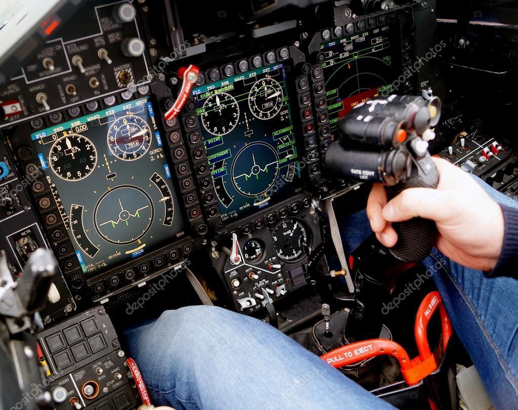 Cabina di pilotaggio di un aereo militare foto stock for Piani di cabina 32x32