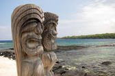 Sacred Statue in the City of Refuge at the Pu'uhonua o Honaunau National Park in Hawaii — Stock Photo