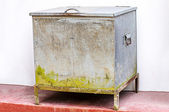 Vintage ice chest — Stock Photo