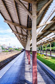 Railroad station platform — Stockfoto