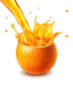 Orange fresh fruit cut in half, with an juice splash in the middle — Stock Photo