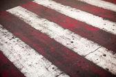 Rode en witte kruispunt — Stockfoto