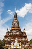 Blue sky background buddha wat yai chai mong kon at ayutthaya th — Stock Photo