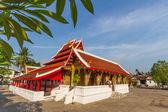 Blue sky with tree view  wat saensukkaram temple — Stock Photo