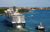 Cruise Ship in Venice, Italy — Stock Photo
