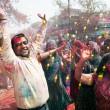 покрыты краской на фестиваль Холи — Стоковое фото