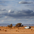 Car in the desert - Foto de Stock
