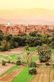 Marokkanischen kasbah im atlas-gebirge, afrika — Stockfoto