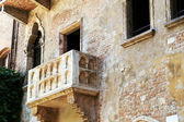 Romeo and Juliet balcony in Verona, Italy — Stock Photo