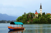 Bled Lake in Slovenia with the Assumption of Mary Church, Slovenia, Europe — Stock Photo