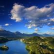 utsikt över st. mary kyrkan av assumptionon, sjön bled, Slovenien — Stockfoto