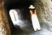 Young girl walking in Ravello — Stock Photo