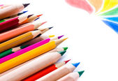 Terug naar school achtergrond met kleurpotloden. kopie ruimte voor posters — Stockfoto