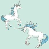 Iki beyaz tek boynuzlu atlar üzerinde ışık arka plan mavi — Stok Vektör