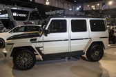 Mercedes 4x4 side view — Stock Photo