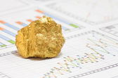 Gold and market analyze — Stock Photo