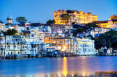 Rajasthan, India, Udaipur fortress by night 2 — Stockfoto
