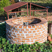 Orange Brick Well — Stock Photo