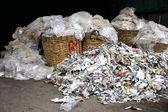 Sběrový papír a plasty — Stock fotografie
