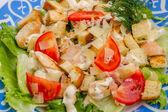 Sałatka cezar z kurczakiem — Zdjęcie stockowe