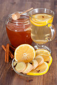 Hot ginger lemon tea and honey — Stock Photo