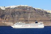 Cruise ship in Santorini — Stock Photo
