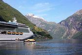 Geiranger fiyort demir, gemi cruise — Stok fotoğraf