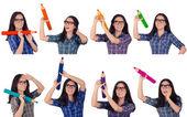 Dziewczyna w okularach gospodarstwa gigant ołówki w wielu kolorach — Zdjęcie stockowe