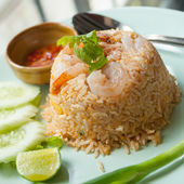 Fried rice with shrimp — Stockfoto