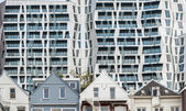 Architecture old and new in Rotterdam — Stock Photo