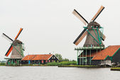 Traditional Dutch windmills with canal close the Amsterdam, Holl — Stock Photo