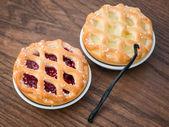 Fresh backed cherry pie — Stockfoto