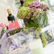 Wedding table flowers — Stock Photo