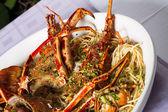 麺とザリガニ — ストック写真