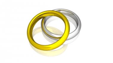 Wedding Rings - Yellow And White Gold - Animation — Stock Video