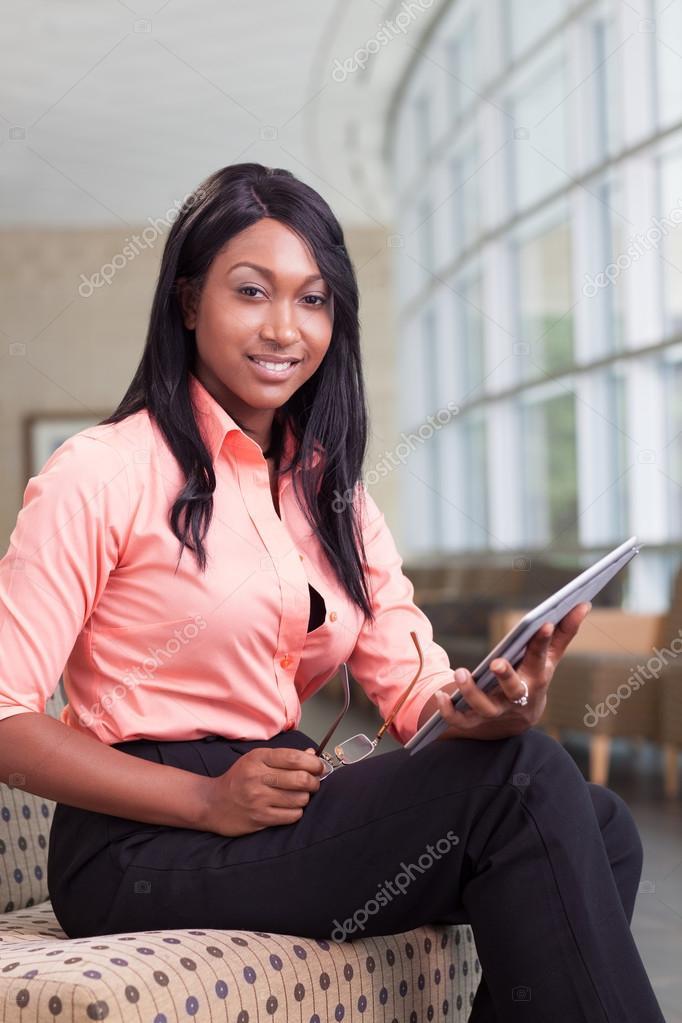 非洲裔美国人生意的女人