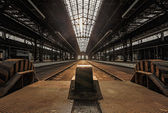 Abandoned industrial interior with bright light — Foto de Stock