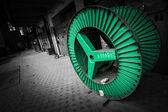 Grüne stahlrad für elektrische kabel — Stockfoto