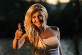 Young Woman Giving A Thumbs Up — Stock Photo