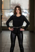 Fashion Girl Wearing Leather Pants And Long Sleeve — Stock fotografie