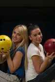 Cheerful Young Couple Holding Bowling Ball — Foto Stock