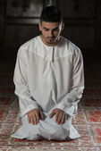 Muslim Man Is Praying In The Mosque — Stock Photo