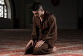 Young Muslim Man Praying — Stock Photo