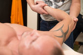 Close-Up Of An Man Having A Arm Massage — Stockfoto