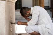 Islamic Religious Rite Ceremony Of Ablution Head Washing — Stock Photo