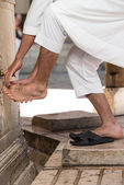 Muslim Washing Feet Before Entering Mosque — Foto de Stock