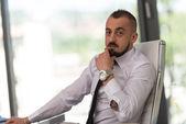 Portrait de jeune homme d'affaires — Photo