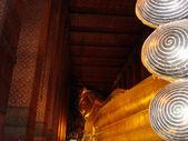 Buda reclinado en Wat Pho, Bangkok, Tailandia (Thailand) — Stock Photo