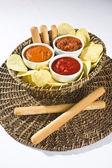 Chips de tortilla con salsa — Foto de Stock