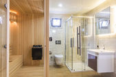 Spacious Modern Bathroom — Stock Photo